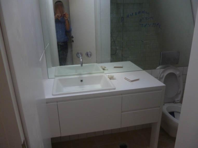 Έπιπλα μπάνιου 06