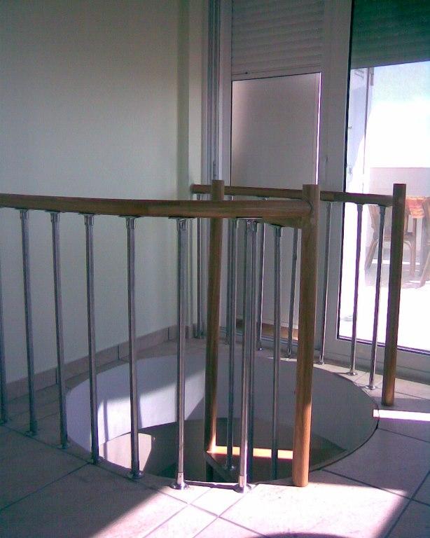 Σκάλες 13