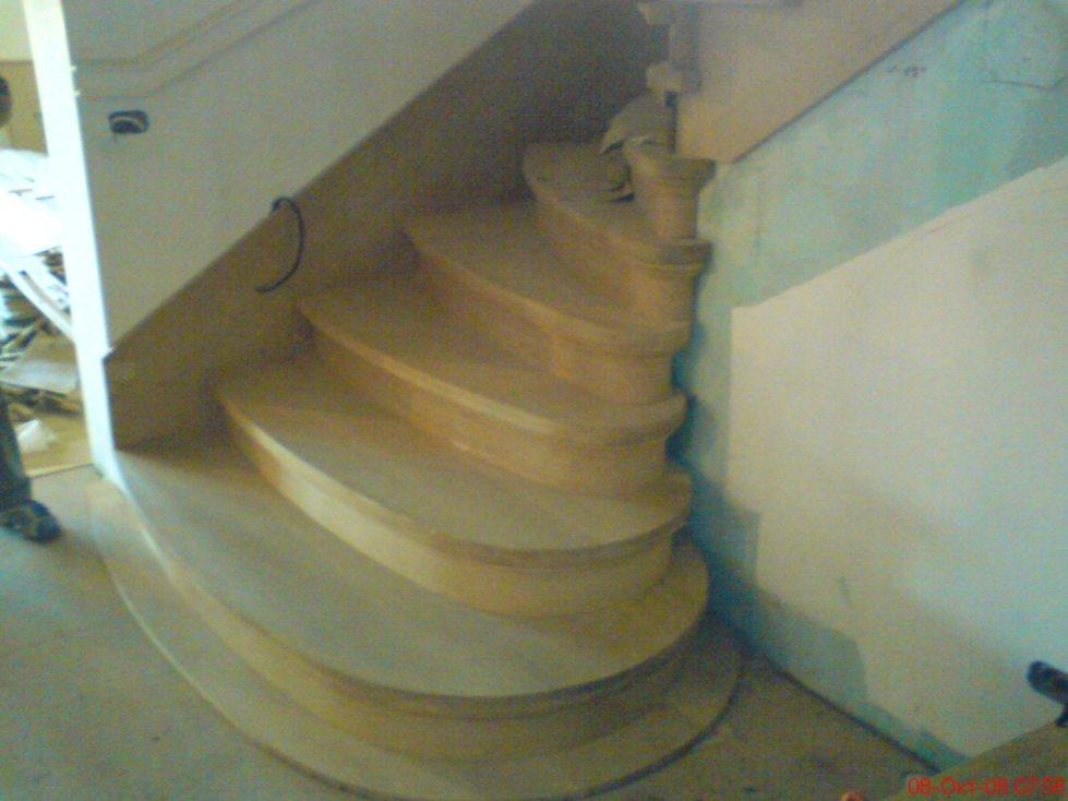 Σκάλες 16