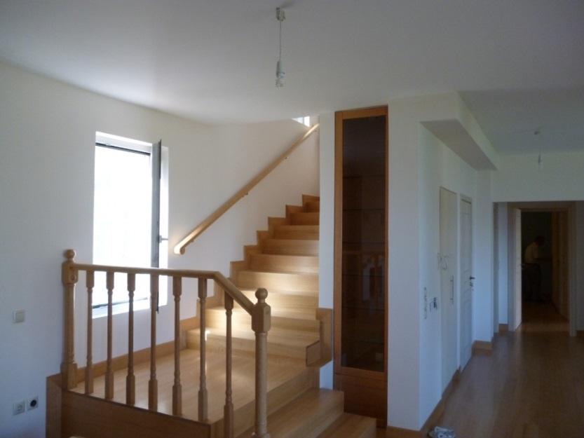 Σκάλες 18